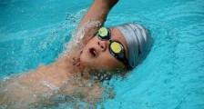 少儿 游泳运动